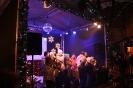 Рижские дети поют праздничные песни